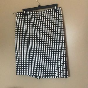 Patterned black and white work skirt